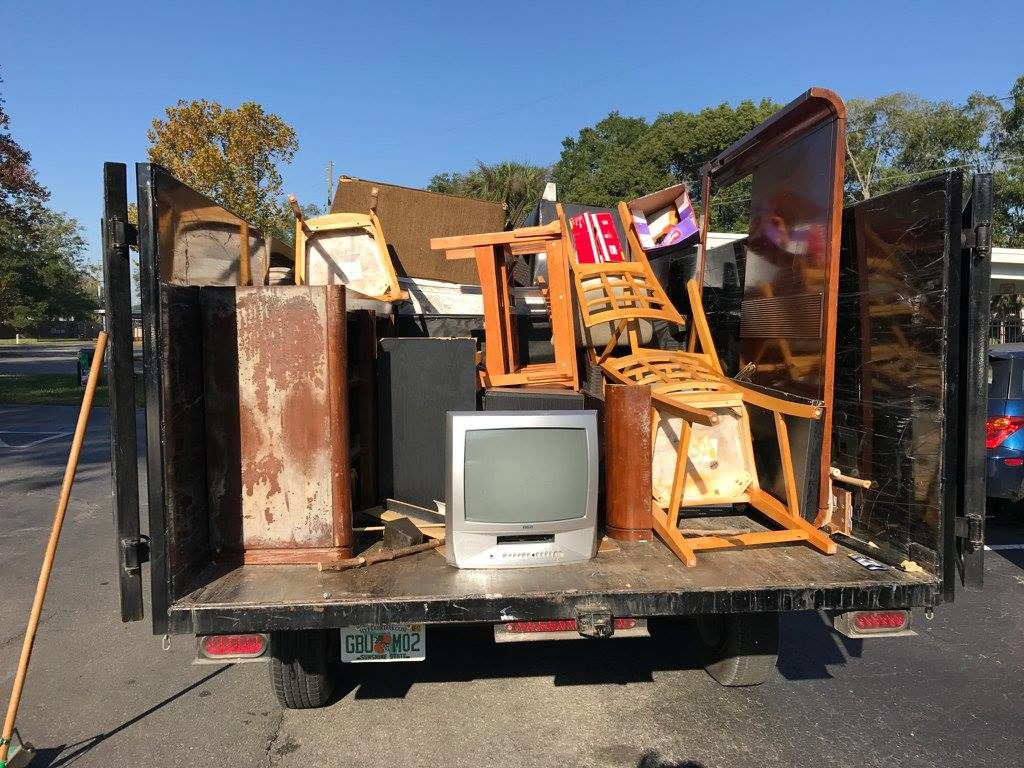 Contact Us-Shreveport Dumpster Rental & Junk Removal Services-We Offer Residential and Commercial Dumpster Removal Services, Portable Toilet Services, Dumpster Rentals, Bulk Trash, Demolition Removal, Junk Hauling, Rubbish Removal, Waste Containers, Debris Removal, 20 & 30 Yard Container Rentals, and much more!