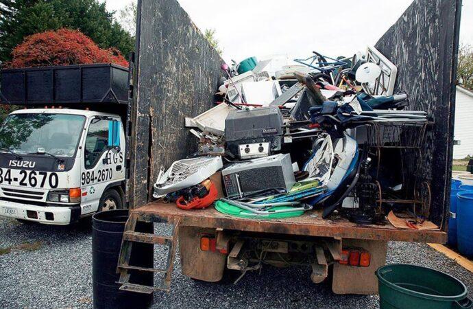 Junk Hauling-Shreveport Dumpster Rental & Junk Removal Services-We Offer Residential and Commercial Dumpster Removal Services, Portable Toilet Services, Dumpster Rentals, Bulk Trash, Demolition Removal, Junk Hauling, Rubbish Removal, Waste Containers, Debris Removal, 20 & 30 Yard Container Rentals, and much more!