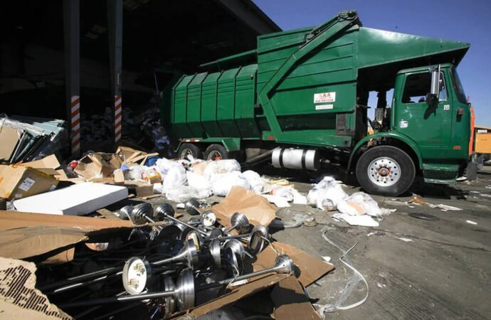 Trash Hauling and Removal-Shreveport Dumpster Rental & Junk Removal Services-We Offer Residential and Commercial Dumpster Removal Services, Portable Toilet Services, Dumpster Rentals, Bulk Trash, Demolition Removal, Junk Hauling, Rubbish Removal, Waste Containers, Debris Removal, 20 & 30 Yard Container Rentals, and much more!